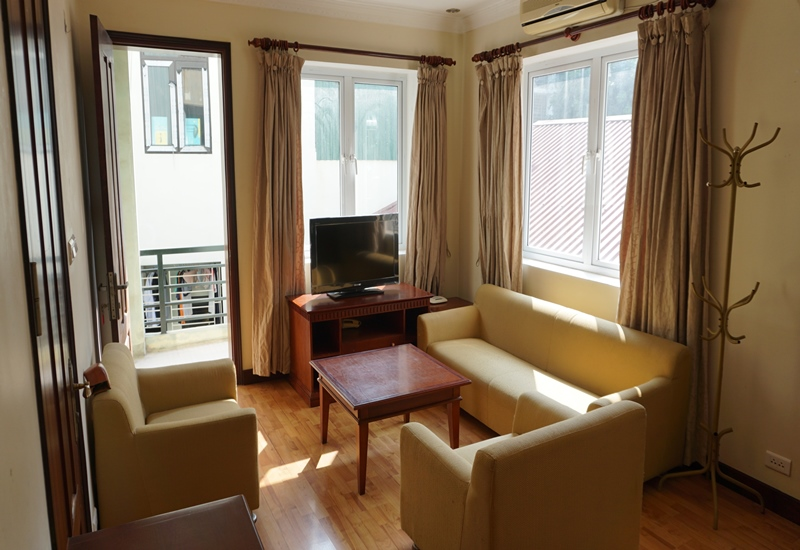 Big balcony apartment for rent with 01 bedroom in Ta Quang Buu, Hai Ba Trung