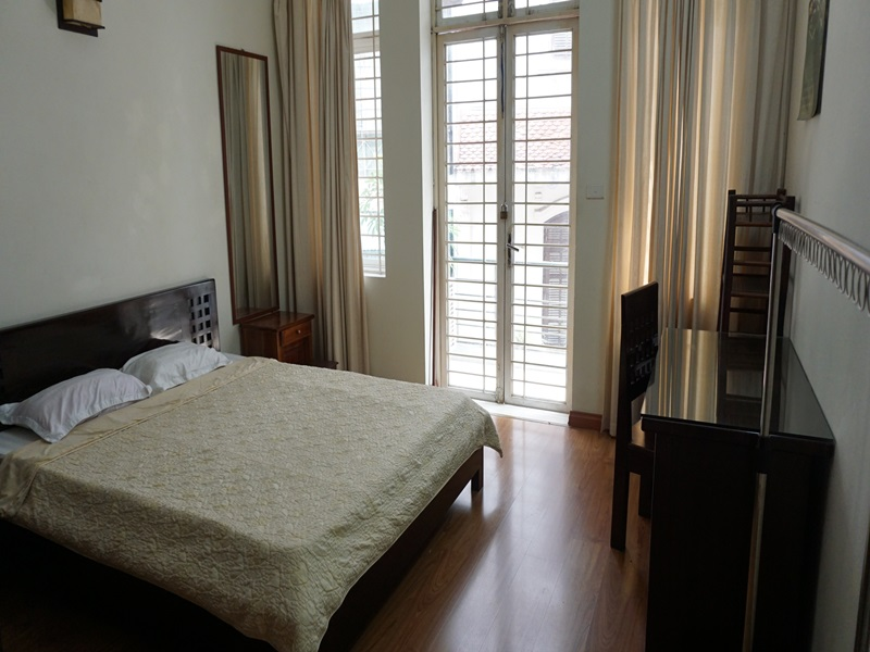 Balcony 01 bedroom apartment for rent in Vo Thi Sau, Hai Ba Trung district