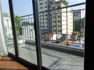 Balcony serviced apartment with 01 bedroom for rent in Hoan Kiem