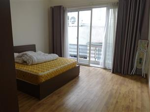 Cheap 02 bedroom apartment in Dang Thai Mai, Tay Ho