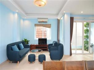 Apartment for rent with 03 bedrooms in Au Co, Tay Ho