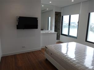 Lake view, high quality serviced apartment with 02 bedrooms for rent in Dong Da