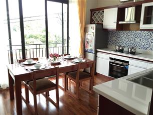 Lake view, luxurious serviced apartment with 03 bedrooms for rent in Tay Ho