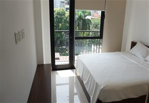 Balcony apartment for rent with 02 bedrooms in Truc Bach, Ba Dinh